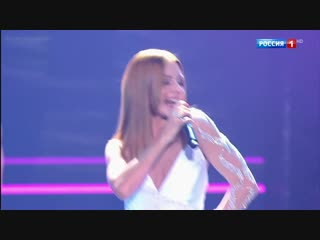 Наталья Подольская на праздничном концерте