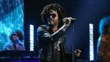 Lenny Kravitz Gets 'Low'