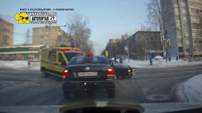Авария - ВАЗ 2107 и Скорая Помощь - Архангельск