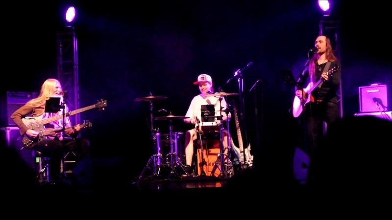 POWERLESS TRIO - Holy Diver @ Savoy-teatteri, Helsinki 7 2 2018