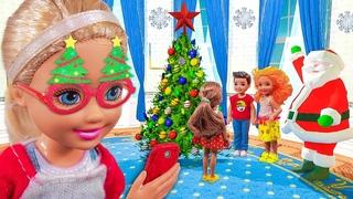 НАШЛА ТЕЛЕФОН ДЕД МОРОЗА! Мультик куклы мама Барби