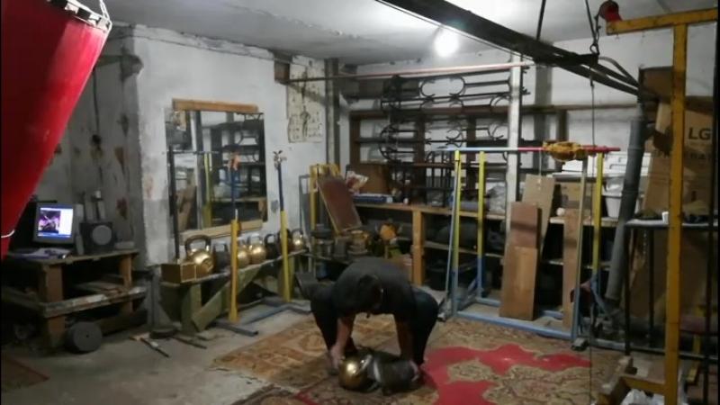Парный подъём Знаменского на бицепс с гирями по 32 кг