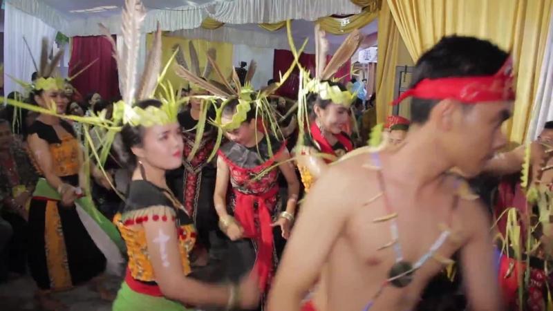Tarian Adat Suku Dayak Maanyan [Tane Takam TV]