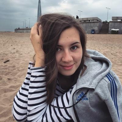 Маша Костюшева