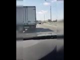 Ярославское шоссе, паренек катается на электросамокате. Комментарии водителя просто прекрасны
