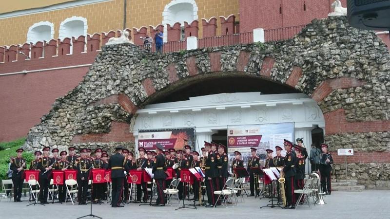 Открытие сезона Военные оркестры в парках И Матвиенко Выйду ночью в поле с конем