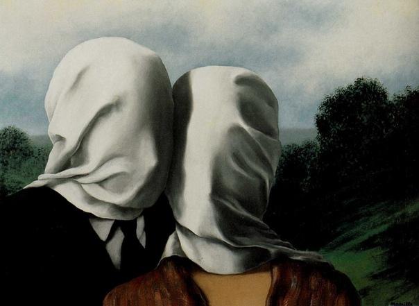 Рене Магритт «Влюбленные» Картина «Влюбленные» бельгийского художника-сюрреалиста Рене Магритта известна зрителю в двух вариантах. На первом полотне мужчина и женщина, чьи головы укутаны белой
