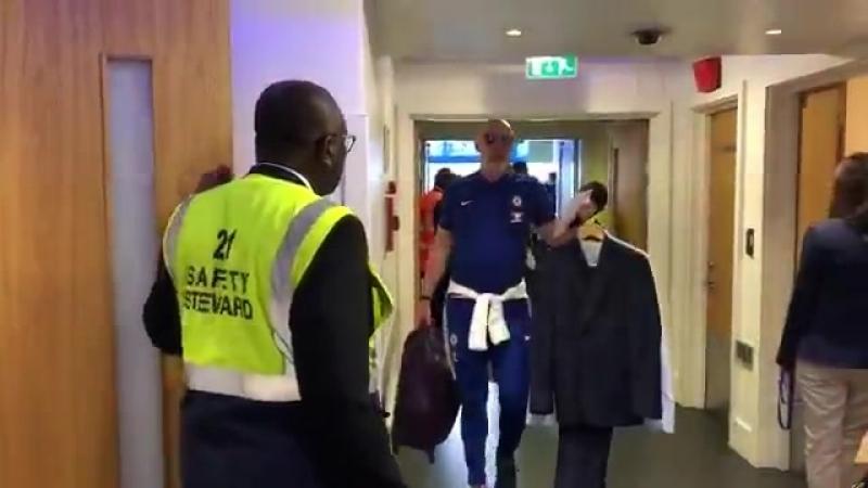 Прибытие легенд Челси vk.com/uefa_fans