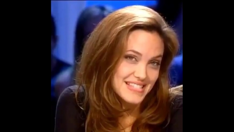 Анджелина Джоли топ огонь красивая бомба крутая губы глаза волосы