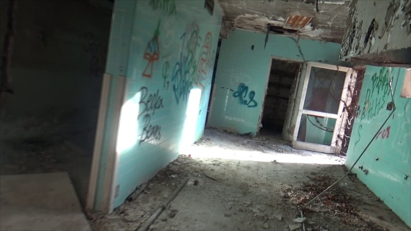 URBAN EXPLORING Abandoned Folks Home Spirit Box All Alone AS SEEN ON MARBLE HORNETS