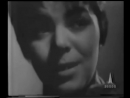Майя Кристалинская А за окном то дождь то снег Maya Kristalinskaya Я тебя подожду Best Russian music - YouTube