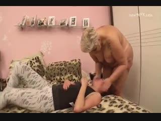 Brazilian bbw mistress facesiting smother