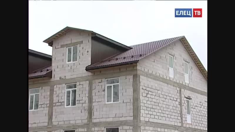 Рядом с Ледовым дворцом строится спортивный клуб с гостиничными номерами