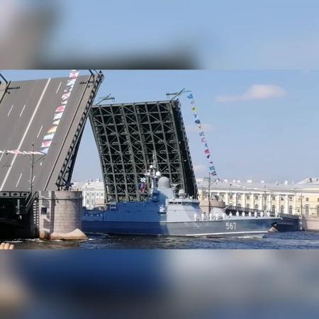 Даша Алтанец on Instagram А это День Военно Морского Флота ⛵⚓ один из главных праздников Питера 29 07 18