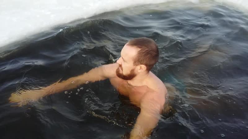 Температура воды 2, как раз то что Дед Мороз рекомендует!)
