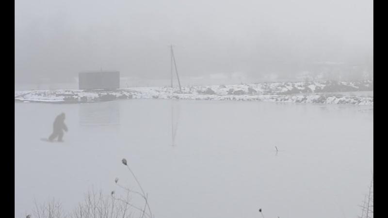 СНЕЖНЫЙ человек был заснять в челябинской области по льду шел/таинственный шар в небе