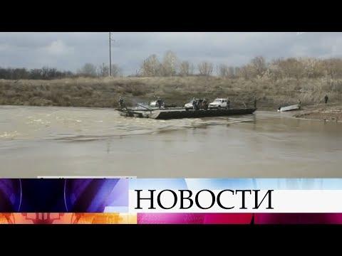 В Саратовской области организован паром для сообщения с населенными пунктами, отрезанные паводком.
