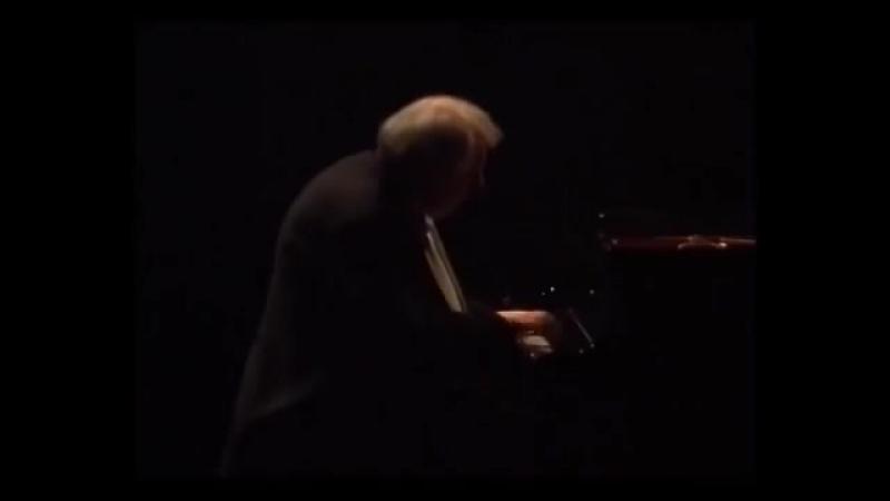 Grigory Sokolov - Beethoven Tempest Sonata, Allegretto