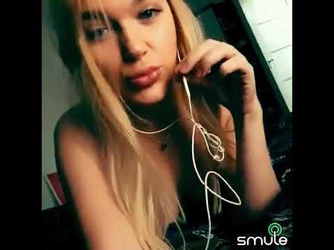 красивая блондинка с большими губами поет песню MiyaGi Эндшпиль feat. Рем Дигга I Got Love