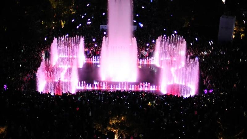 Открытие светомузыкального фонтана и Биржевого сквера в Калининграде.