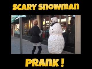 Пранк страшный снеговик!