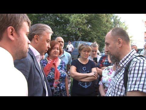 Кандидат в мэры Москвы Вадим Кумин занялся решением проблем жителей столичных общежитий