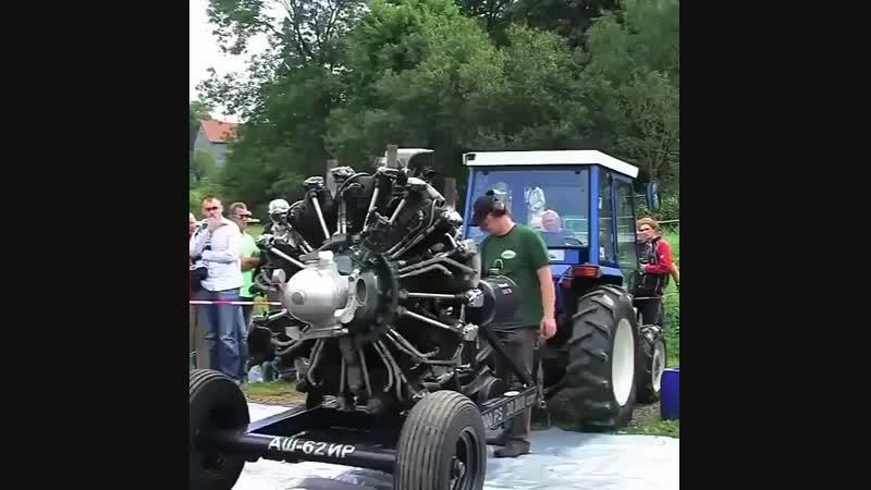 Трактор с авиационным движком nhfrnjh c fdbfwbjyysv ldbrjv