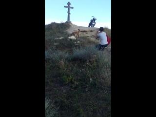 На кресте