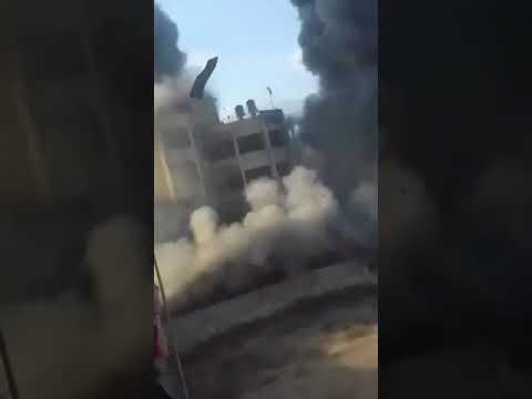 Оккупационные израильские армия очень жестока бомбила дома палестинская мирная населения