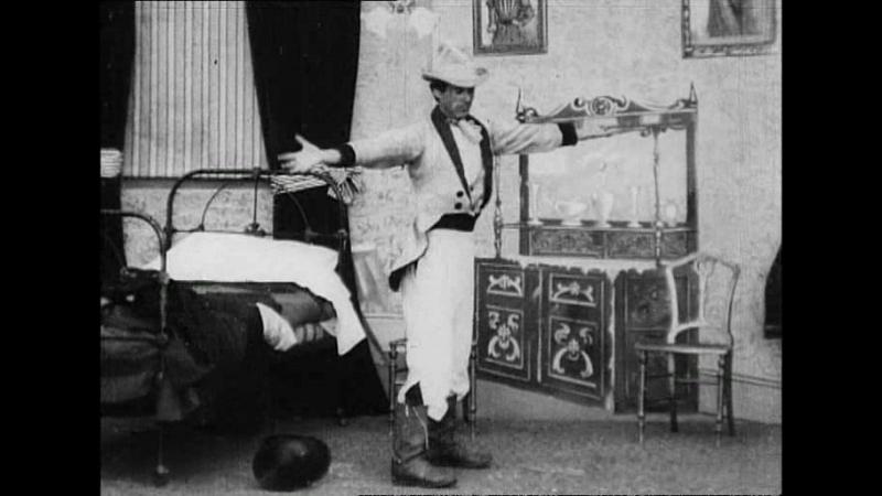 Коллекция фильмов Роберта У. Поля. Экстраординарное раздевание (1901)
