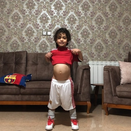 """Arat on Instagram: """"😱😱 bodybuilding 🙄😳 __ fitness 🤫💪🏾 sixpack 👶🏼 5yearsold iloveyou ❤️ manchesterunited @manchesterunited"""""""