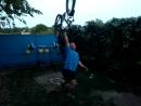 Лечь и встать с велосипедом.