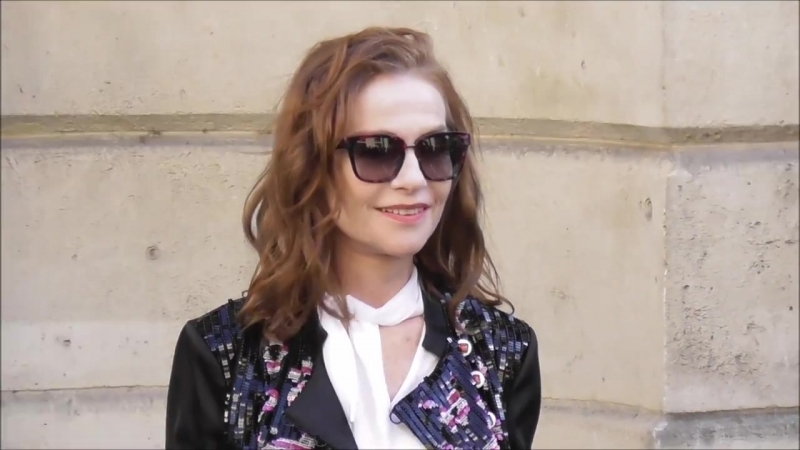 Isabelle Huppert @ Paris 3 juillet 2018 Fashion Week show Armani