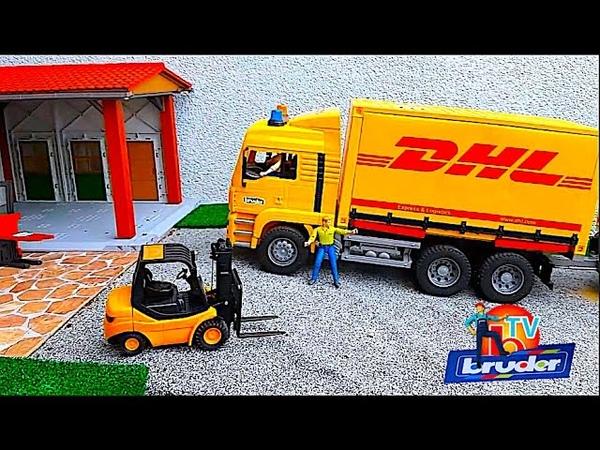 BRUDER Truck DHL and forklift work!