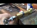 Как открыть заклинивший замок Avers обзор инструмента Emergency lock opening