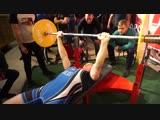 Величко Владимир 18 лет, 192 повторения вес штанги 55 кг! Команда Титан!!!