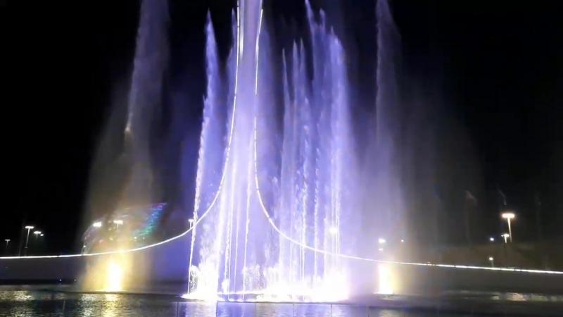 Нереально красивое шоу танцующих фантанов в Сочи