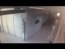 Запись с камеры видеонаблюдения: подозреваемая в краже из солярия