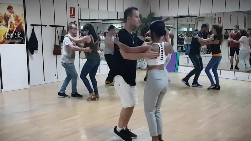BACHATA Luis Miguel del Amargue- de rodillas te pido