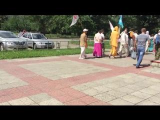 Харе Кришна в центре Копейска