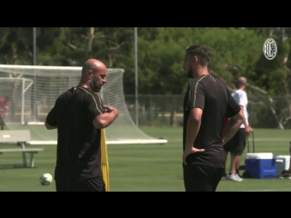 Los Angeles - Here is some more action from our first training session in LA! - Ecco un a