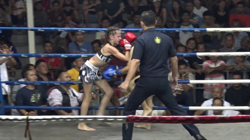 11 Year Old Knocks Out 16 Year Old: Jodie TigerMuayThai vs Gingaew Sakniranrat