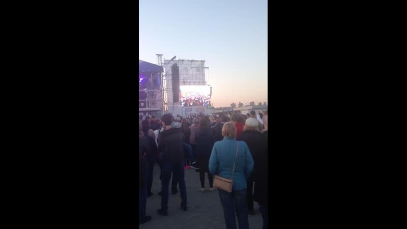 Выступление хора Турецкого на Левом