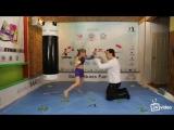 Девочка боксер, маленькая и серьезная