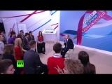 Владимир Путин принимает участие в форуме «Россия — страна возможностей» (online-video-cutter.com)2