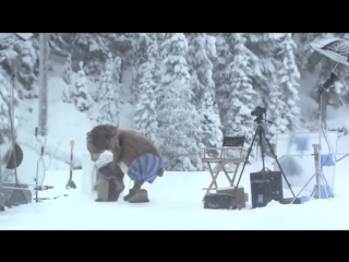 Медведь неожиданно появился на съемках samsung_HIGH.mp4