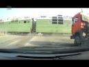 Легковушку протаранил поезд Водитель лады приоры как будто специально выехал на пути