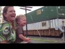 Эти папы знают, как сделать ребенка счастливым (720p).mp4