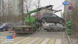 Вести-Москва  •  Парковочные войны: на ВДНХ жители хотят перекрыть целую улицу