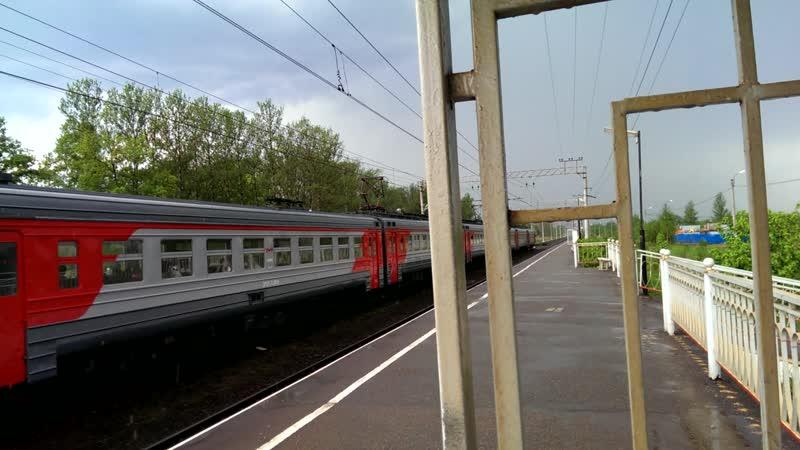 эр2т 7138 Росссия проходит мимо станции Сергиево